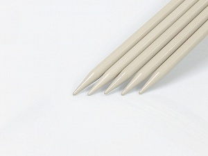 10 mm (US 15) A set of 5 double-point knitting needles. Brand ICE, acs-1075