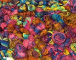 Primadonna Leftover This lot consists of more than 100 hanks of Primadonna yarn. The total weight is 2000 gr (70.5 oz.). Fiber indhold 50% Akryl, 50% Uld, Brand ICE, fnt2-57473