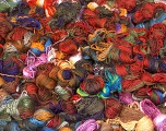 Primadonna Leftover This lot consists of more than 100 hanks of Primadonna yarn. The total weight is 2000 gr (70.5 oz.). Fiber indhold 50% Uld, 50% Akryl, Brand ICE, fnt2-57476