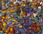 Primadonna Leftover This lot consists of more than 100 hanks of Primadonna yarn. The total weight is 2000 gr (70.5 oz.). Fiber indhold 50% Akryl, 50% Uld, Brand ICE, fnt2-57492